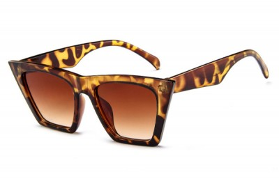 Women's Pointed Square Cat Eye Sunglasses In Brown Leopard Tort With Flat Top & Gradient Lens